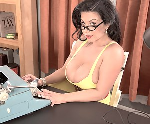 Big Boobs Secretary Porn Pictures